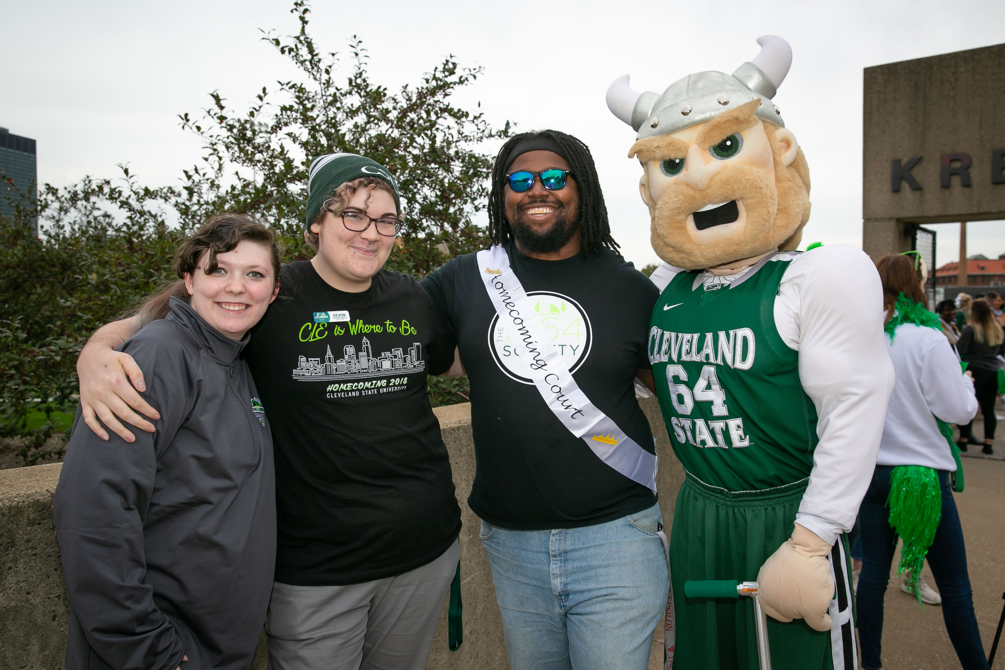 Magnus with CSU Students at Homecoming