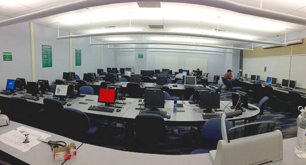 wide-angle view of the business general computer lab